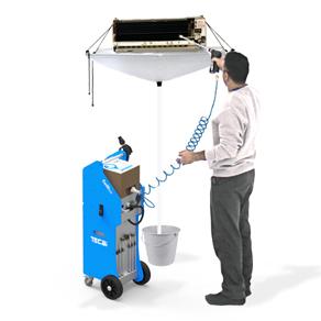 Système de nettoyage des serpentins de climatisation par injection de mousse active et rinçage